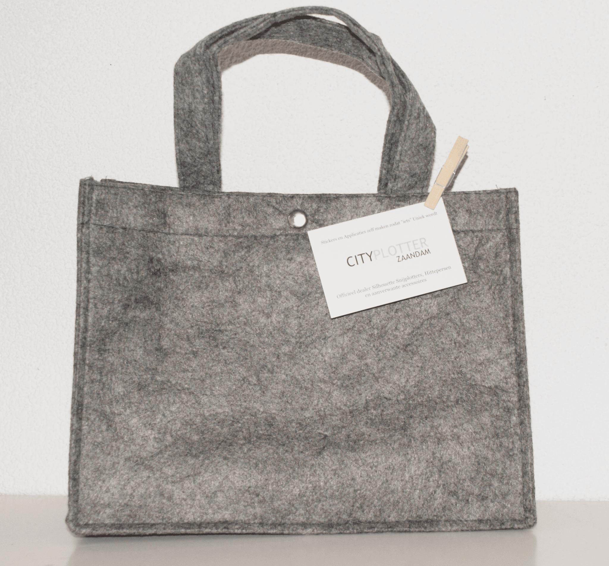 Tas tasjes vilt donker grijs groot met drukknoop bag shopper tassen felt dark grey big Cityplotter Zaandam