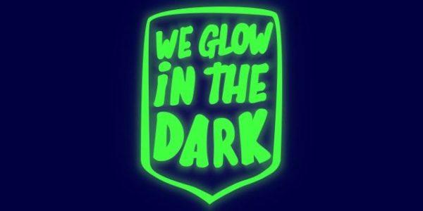 Flexfolie gloeit op in het donker flexfoil heat transfer smooth glow in the dark SG 3950 Cityplotter Zaandam