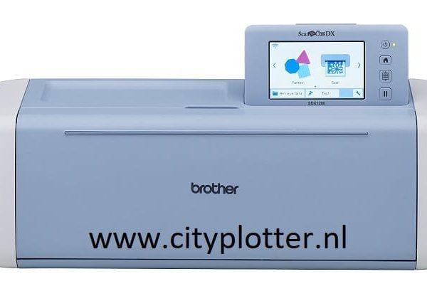 BROTHER SCANNCUT SDX1200 nieuwste snijplotter GRATIS Opstart Folie pakket waarde15 euro en 10% KORTING 4977766792011 Neemt u gerust contact op voor Extra Informatie