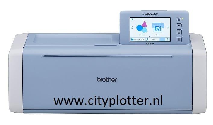 NU de Brother scanNcut SDX1200 de nieuwste snijplotter MET GRATIS ROLLFEEDER, 10% KORTING INCL. VERZENDEN VOOR MAAR 584,00 EURO 4977766792011 Cityplotter Zaandam